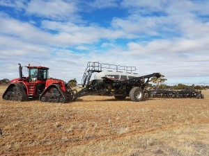 June Flexicoil Demo Flexicoil 5500 bar, 5560 box & Steiger Rowtrac 500